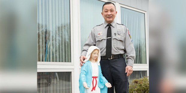 Aleteia: Policeman saves lives of three women — and credits the Virgin Mary